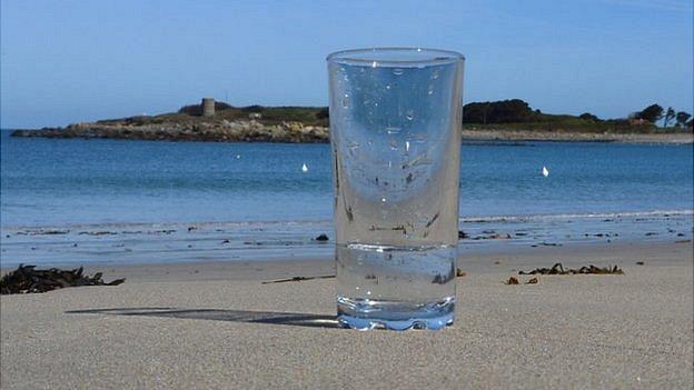 beber agua mar