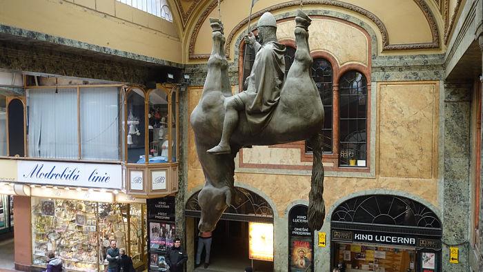Wenceslao caballo muerto