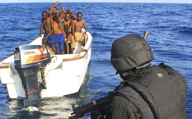 piratas somalies repelidos