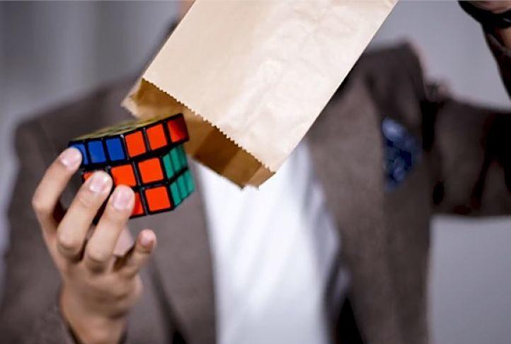 truco con un cubo de Rubik