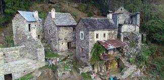 vivir en un pueblo abandonado