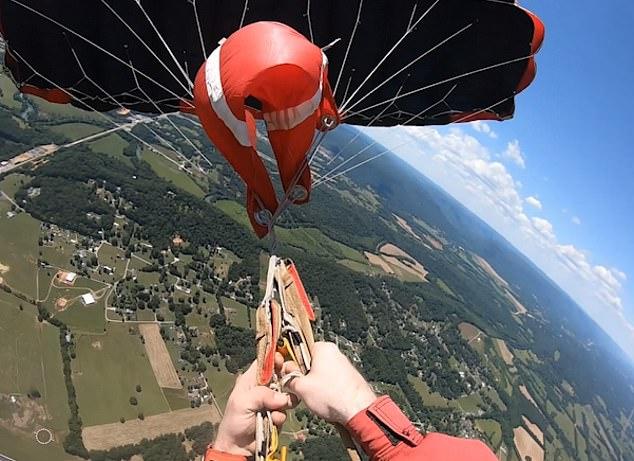 Cómo se puede sobrevivir cuando falla un paracaídas
